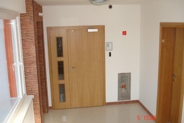 Bratislava. Kancelárske priestory na prenájom, Stará Vajnorská - Administratívne priestory - Prenájom ponúkajú