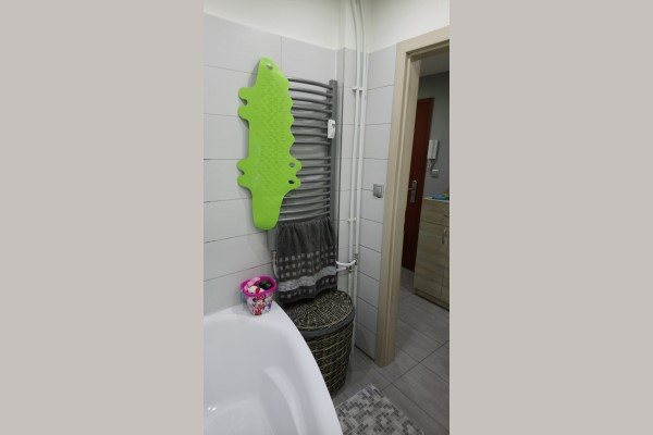 Predáme 3 izb.byt na ul. A.Hlinku o výmere 71m2 - Byt - Predaj