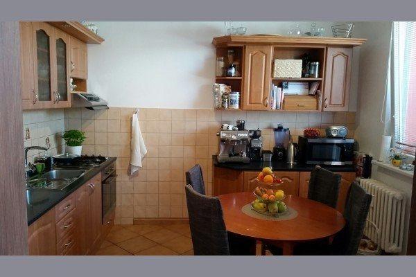 Sereď, predáme  pekný 3 - izbový  byt na Garbiarskej  ul., 72m2 - Byt - Predaj